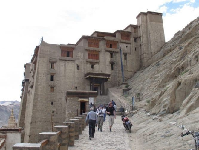 Guide to Ladakh, India: Lodging and Volunteering