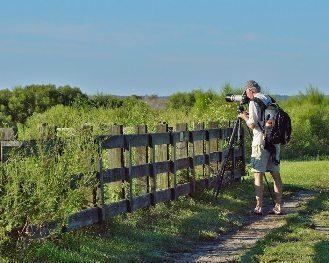A photographer on the La Chua trail.