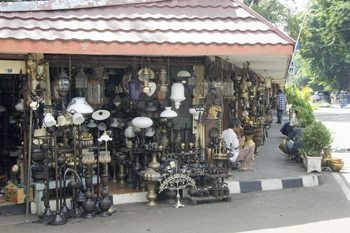 In Jalan Surabaya a junk shop with treasures.
