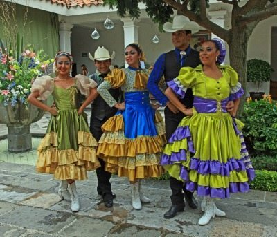 Dancers in Cuernavaca, Mexico. Janis Turk photos.