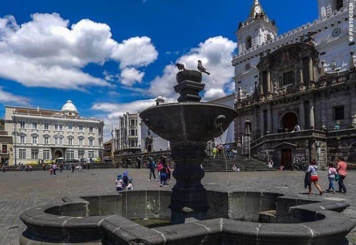 The Plaza San Francisco in Quito, Ecuador. Coen Wubbels photos.