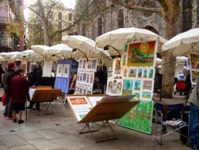 Art market near La Boqueria in Barcelona.