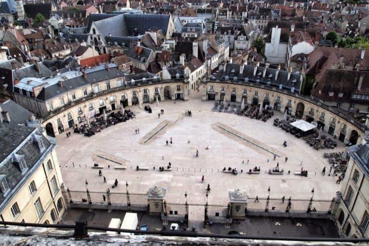 Main square Dijon.