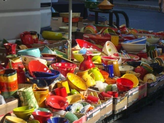 Colorful plates in the market. Tina Gordon photo.