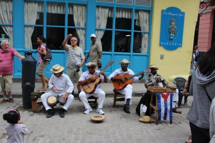 Musicians entertain tourists in Havana, Cuba. Daniel Maldonado photo.