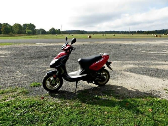 A moped rental from PolarRent