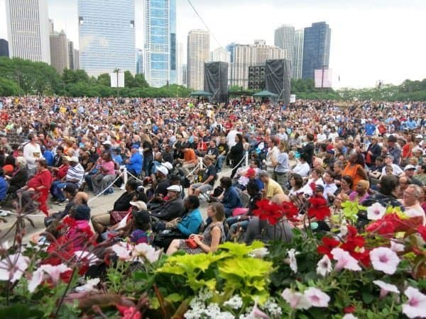 Chicago blues fest crowd on a sunny May day. Margie Goldsmith photos.
