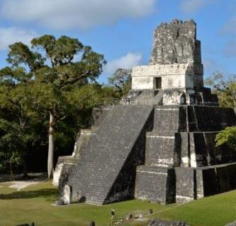 Templo 2 Gran Plaza at Tikal, Guatemala