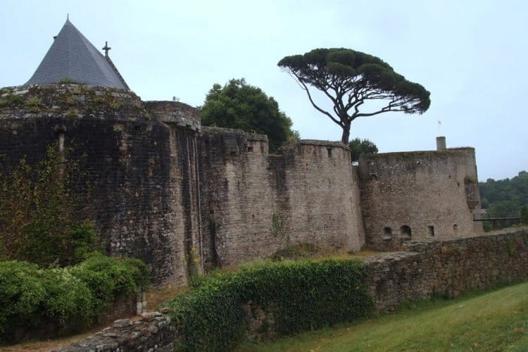 Chateau of Clisson, a village that was completely recreated to resemble Tuscany by the French architect Frederick Lemot.