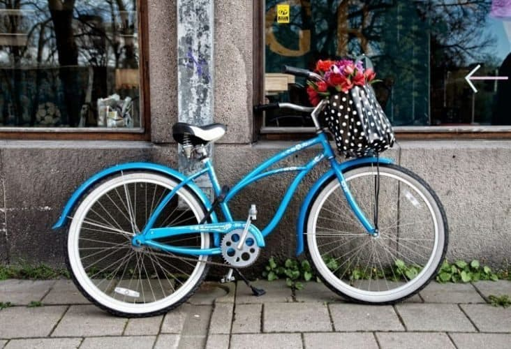 Streetside bike in Turku.