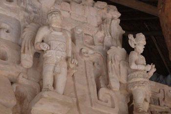Ek Balam statues on a Kings tomb.