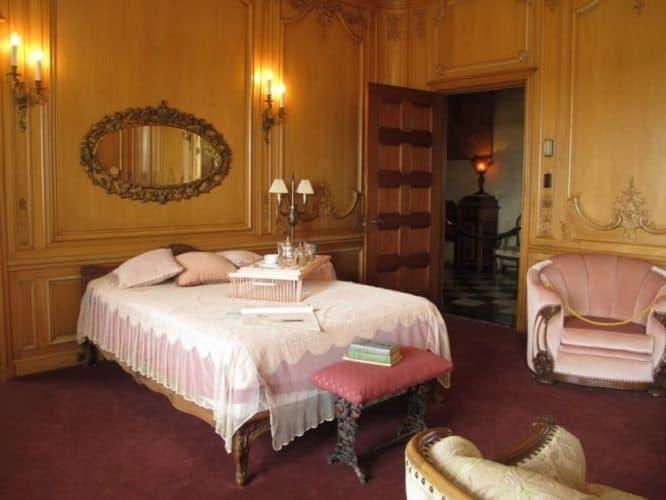 Lydies bedroom in Marland Mansion.