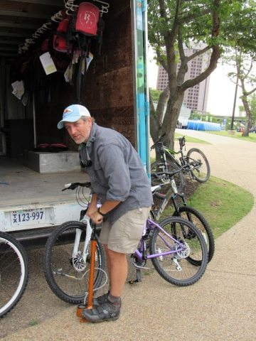 Riverside Outfitters rents mountain bikes in Richmond.