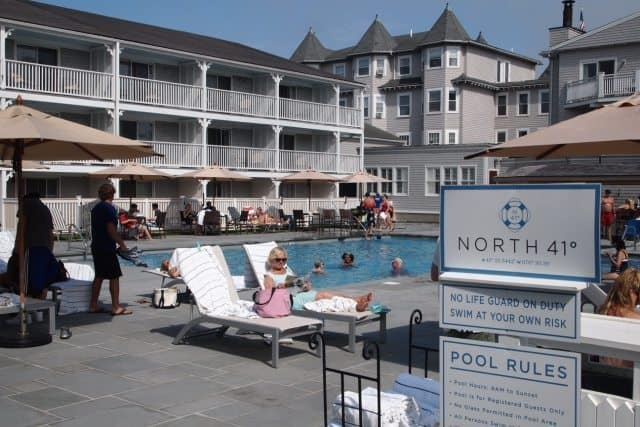 The pool area of the Harbor View Hotel, complete with bar.