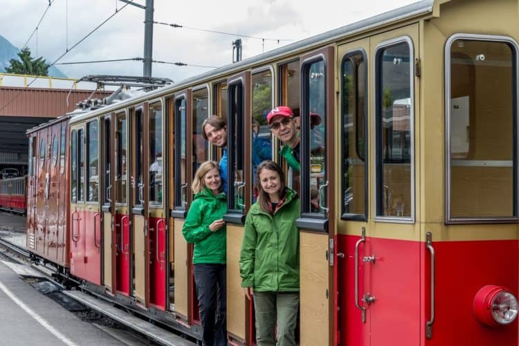 Cogtrain_with_Family_Aboard-0982