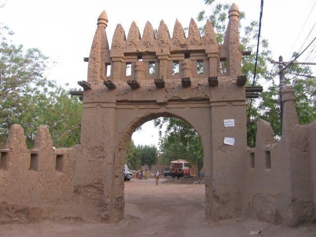 An impressive mud arch entrance to Djenne.