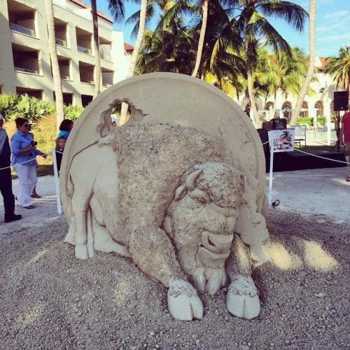Dan Belcher from St. Louis Missouri was the winner of the People's Choice Award last year with this sculpture, photo by International Sand Art Competition.