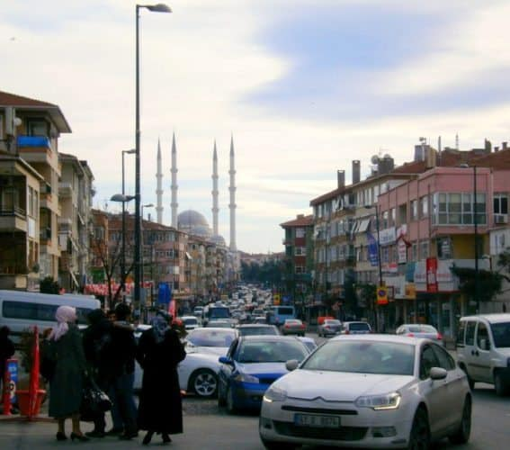 Bagdat Caddesi in Maltepe and the central Mosque