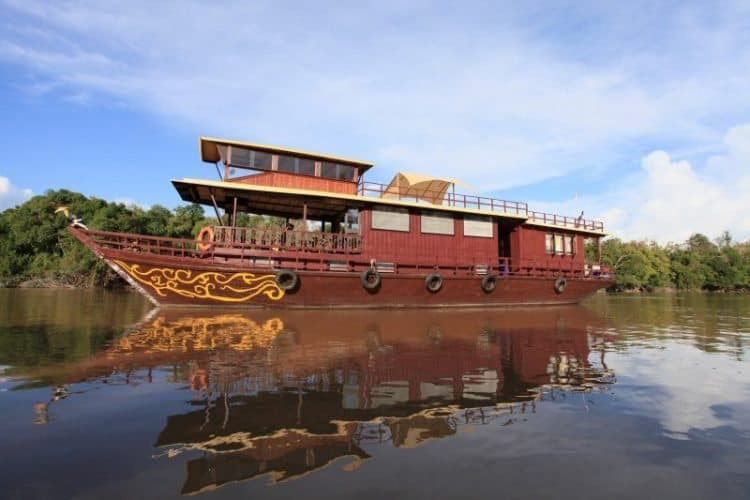 Spirit of Kalimantan on the river Rungan in Borneo. Lawrence Brazier photos.