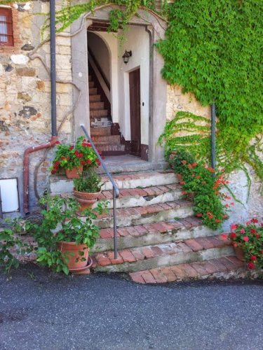 A Tuscan doorway.
