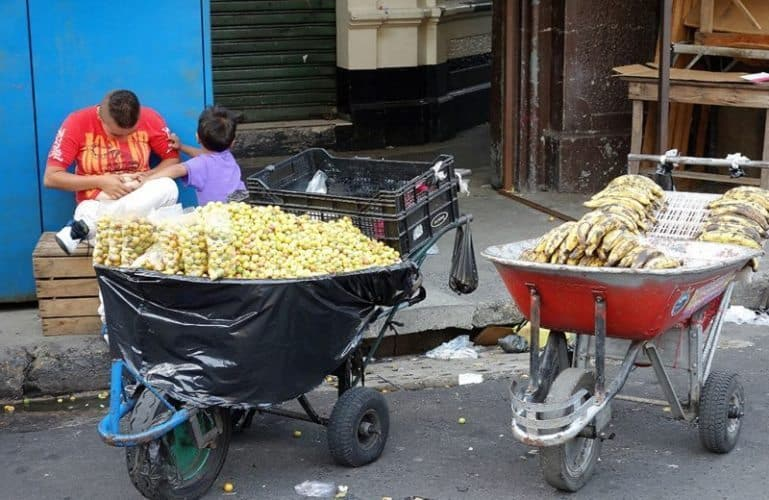Banana vendors in El Centro, San Salvador