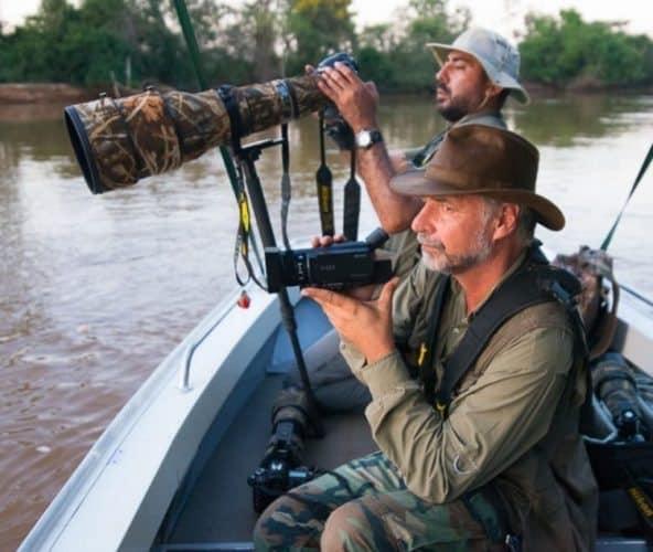 Photographers on the safari.