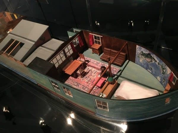 Model of a houseboat in the Maritime museum