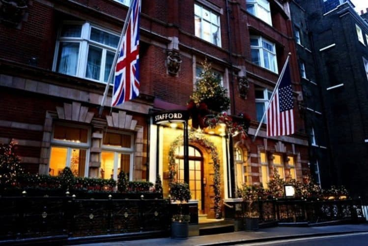 Stafford hotel in london welcome yanks gonomad travel for Hotels 02 london