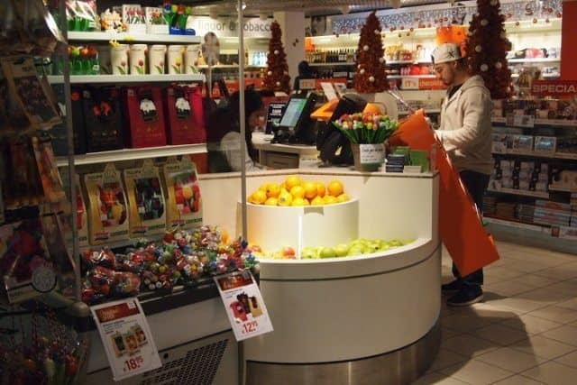 One of Schiphol's many modern, healthy shops. Photos courtesy of Max Hartshorne.