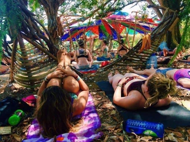 Rachel Brathen's yoga class drew a huge crowd