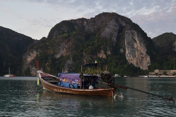 Long-tail outboards are famous around Thai islands for taking tourists to and fro, but what impact are they having on the environment?