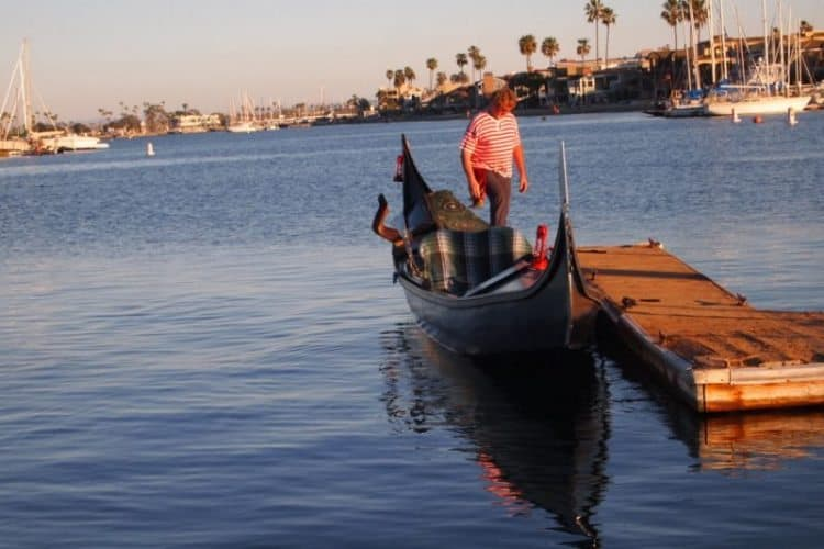 A gondolier in Naples Island, Long Beach.