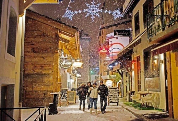Apres ski La Rue des Moulins Le Cap Horn. Patrice Labarbe photo.