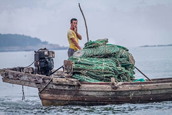 China: Bohai Clamming in Dalian