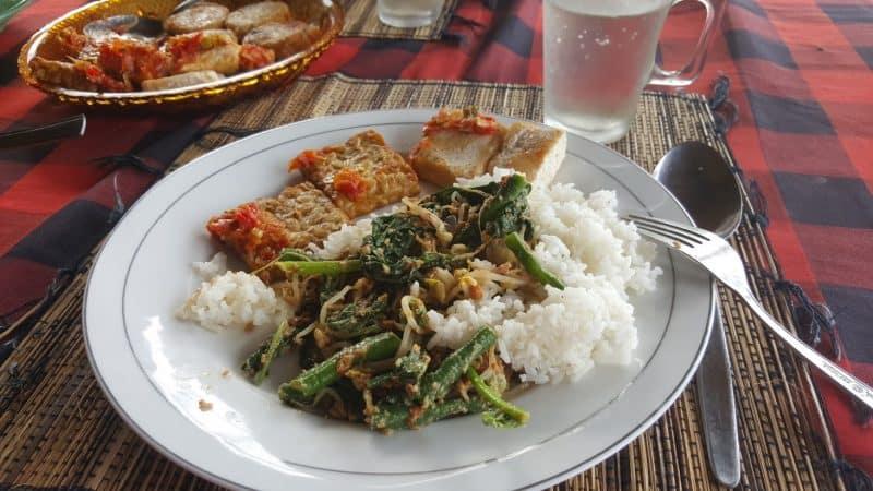 Food at the villas, fresh and healthy.