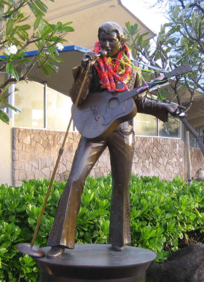Statue of Elvis outside the Neal Blaisdell Center in downtown Honolulu. Photos by Connie Maria Westergaard.