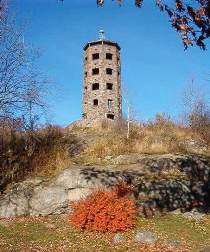 Enger Tower is an 82-foot high tower in Duluth, Minnesota.