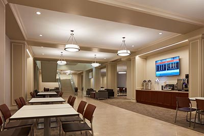 Amtrak Opens a Business Class Style Lounge in Chicago