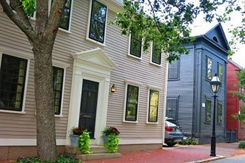 Old Court Bed and Breakfast: Providence, Rhode Island