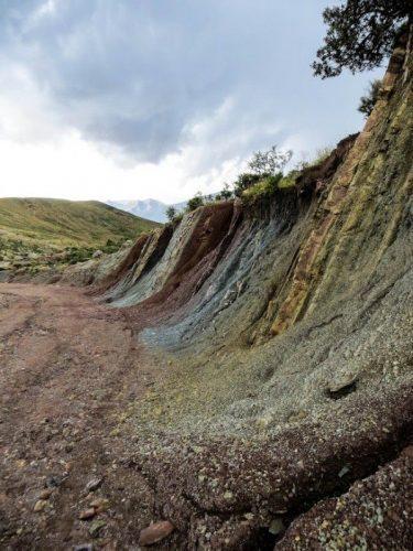 Rainbow colored rocks on the track towards Potolo. Jul 16