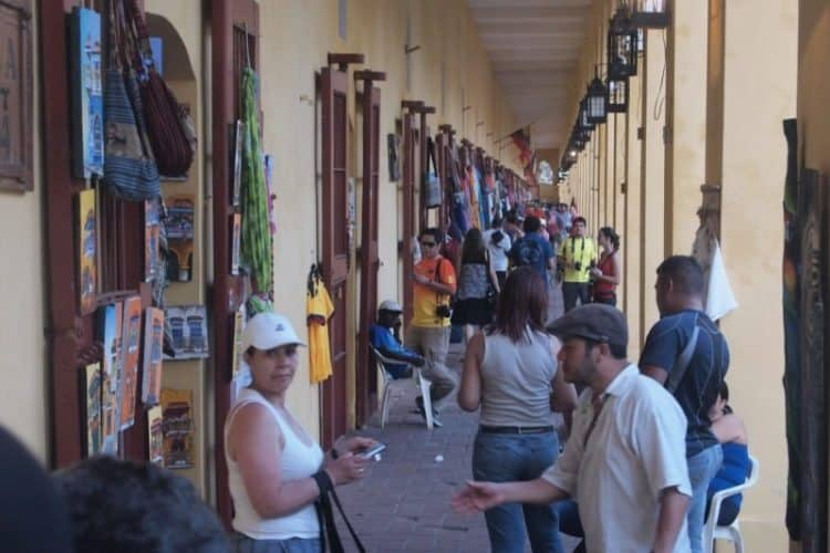 The market full of tourists and cruise ship passengers in Cartagena