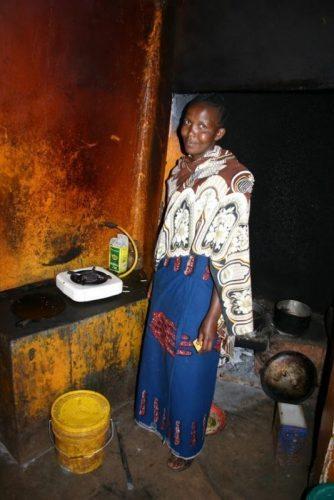 woman-in-kitchen