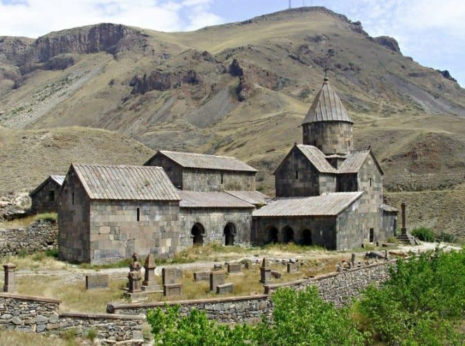 Vorotnavank monastic complex (1000AD)--one of many Armenian think-tanks of the day.