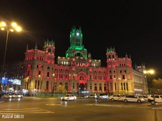 Nighttime lights at Madrid's Plaza de Cibeles. Nighttime lights at Madrid's Plaza de Cibeles.