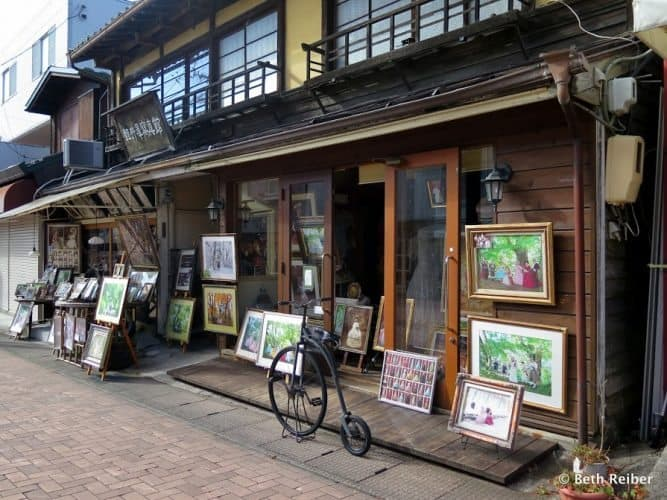 Gallery on Kyu-Karuizawa Ginza shopping street