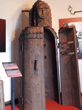 A torture device at Dracula's castle. Karen Melnick photo.
