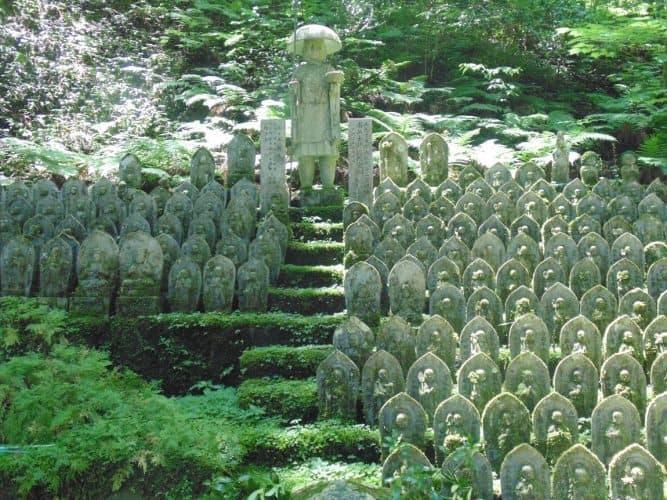 Jizo Statues en route to Iwaya-ji