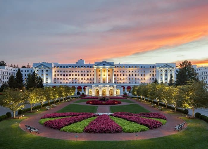 The Greenbrier Hotel Resort's main building, a stunningly large edifice in Sulfur Springs, West Virginia.
