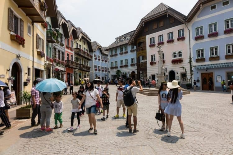 Hallstatt Village in Southern China. Hongkongfp.com photo.