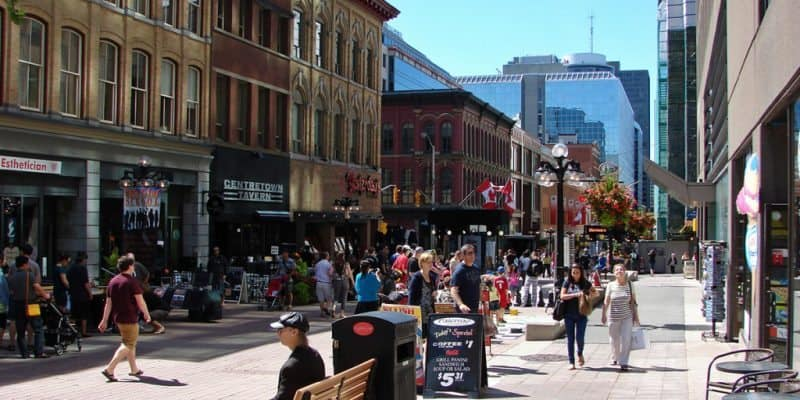 Ottawa's streets are a cultural haven, offering countless options for shopping and dining.